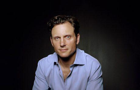 Actor-Tony-Howard