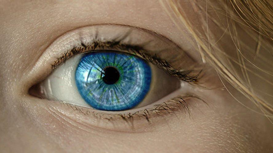 zbliżenie niebieskiego oka