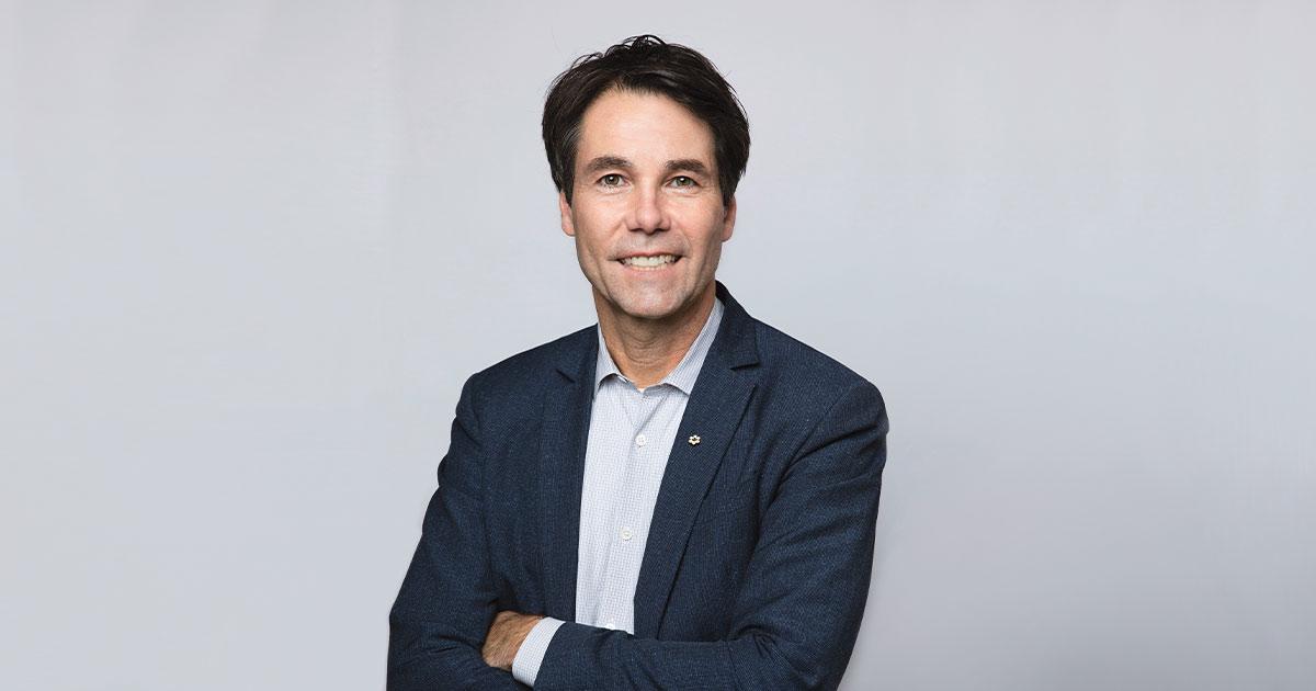 Dr. Eric Hoskins