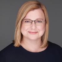 Dr Katalin Toth