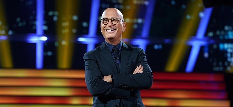 Howie Mandel on the Deal or No Deal stage
