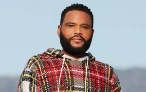 Anthony Anderson outdoors