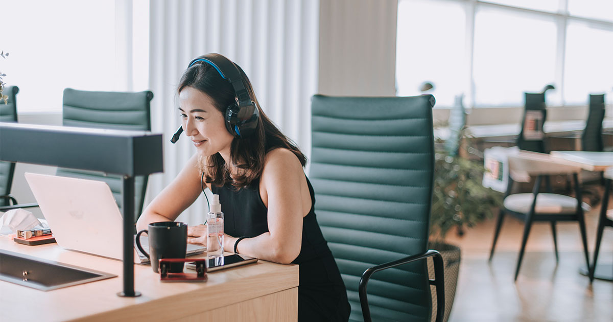 mortgage pros asian woman office computer