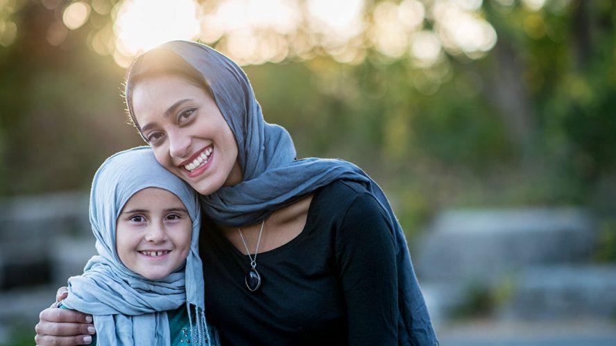 muslim mother daughter achev