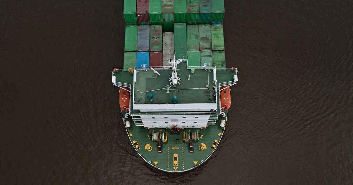 Godsfartyg på hav