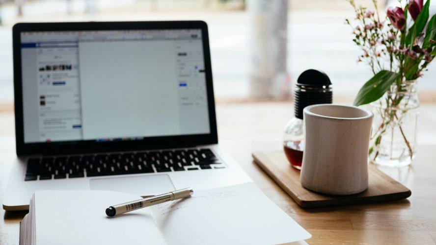 dator och penna anteckningar
