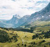 bild på schweiziska bergen
