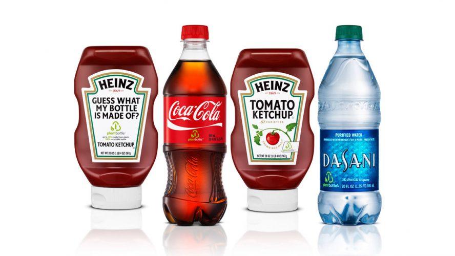 Flaskor med ketchup och Coca Cola i bioplast.