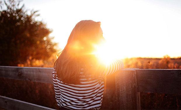profil i solsken. foto: pexel