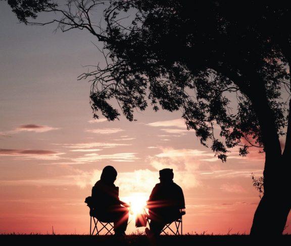 solnedgång par motljus