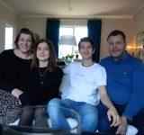 Hilda och Axel med familj