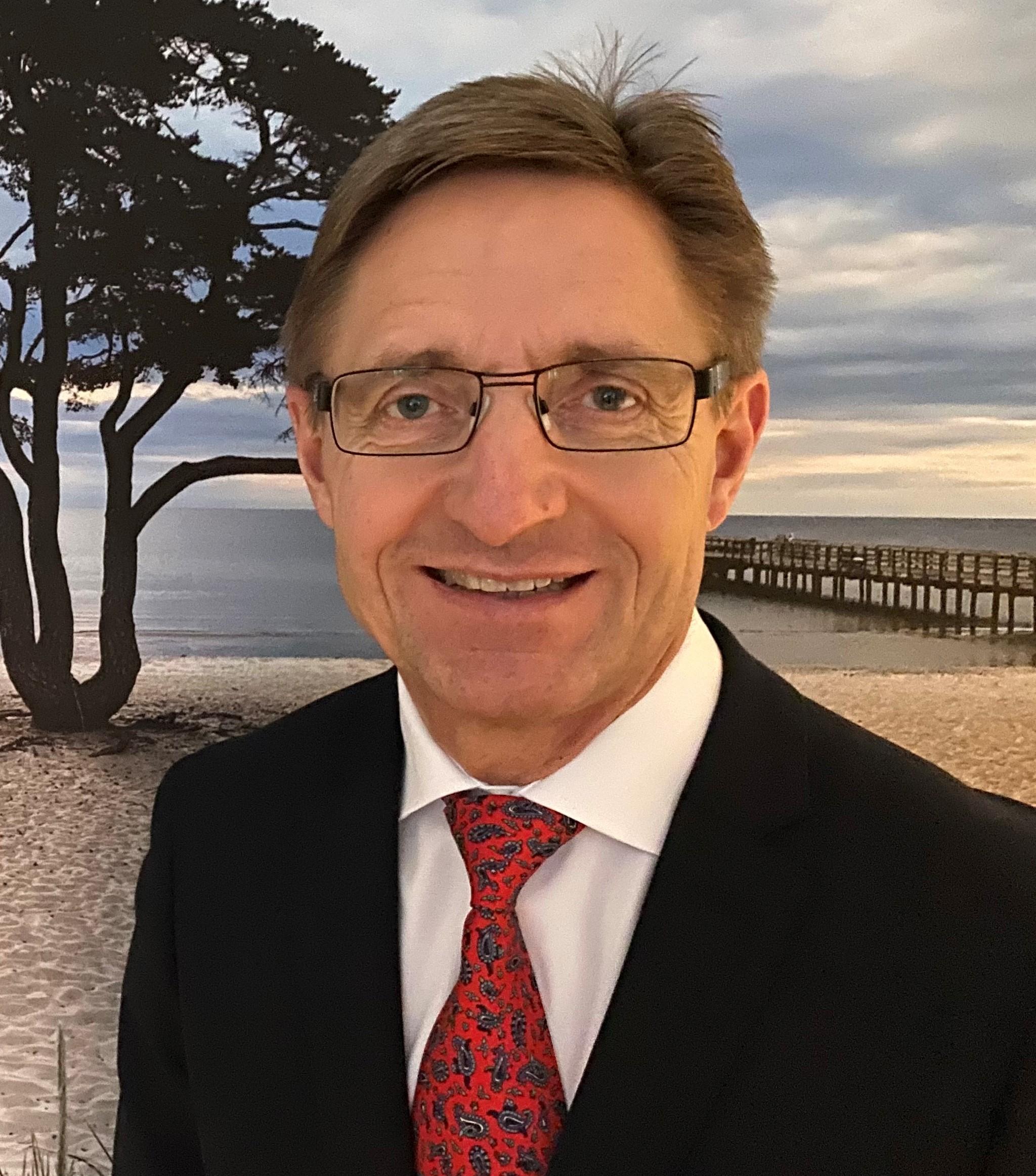 Christer Borgfeldt, , lektor, docent och överläkare inom Obstetrik och gynekologi på Skånes universitetssjukhus och Lunds universitet.