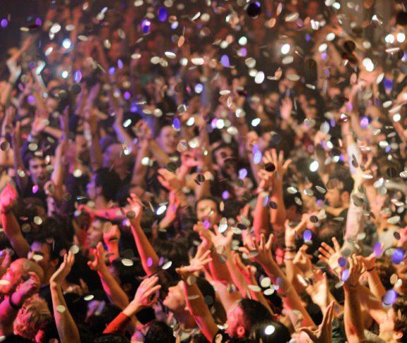 """Faszination Schlager: Warum """"Ti Amo"""" und Co. glücklich machen"""