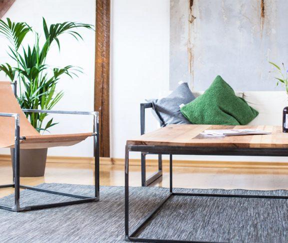 Von Designklassikern und massiven Naturholzmöbeln