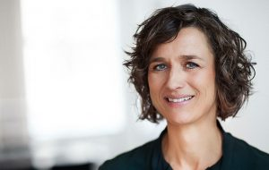 Birgitte Søgaard Holm, Direktør for Investering og Opsparing, Finans Danmark
