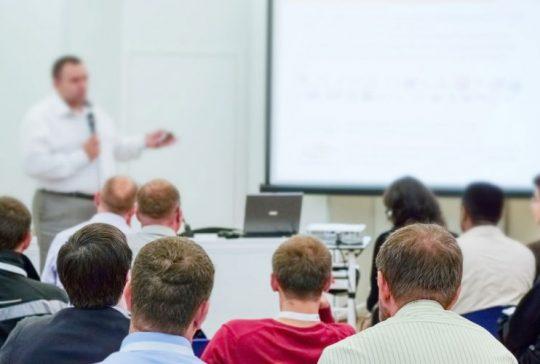 kouluttaminen-taydennyskoulutus-jatkokoulutus-kuljetusala