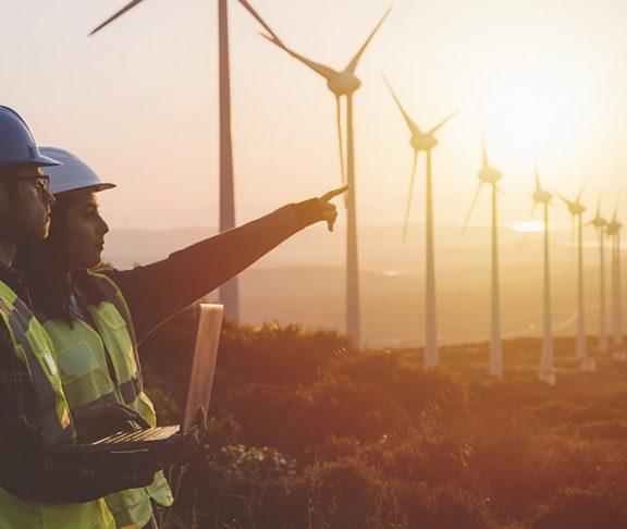 maintenance engineers wind turbines