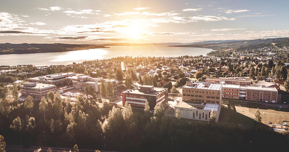 dronebilde over NTNU i Gjøvik