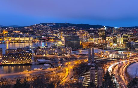 Oslo by night
