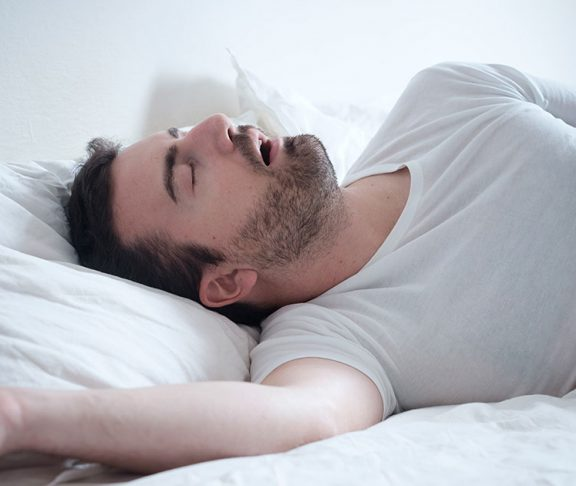 Mann som snorker