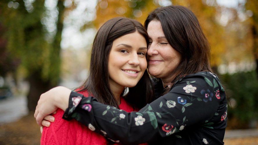 I 2016 fikk Tone Ramsey påvist den sjeldne typen gallegangkreft. Knapt to år senere fant legene en ondartet kreftsvulst på datteren Julie.
