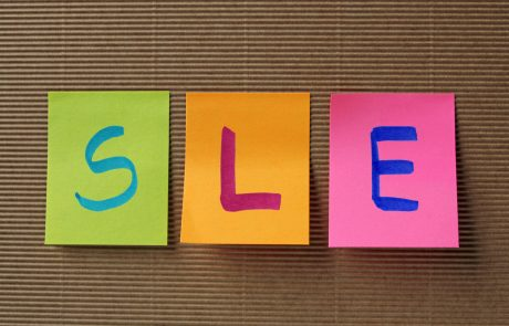 SLE acronym on colorful sticky notes