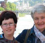 prader_willi_syndrom links: Tochter Patricia, rechts: Mutter Anita