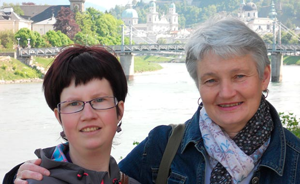 prader_willi_syndrom links: Tochter Patricia, rechts: Mutter Anita