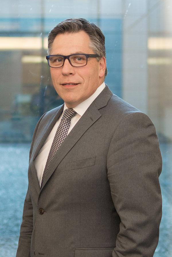 Luc Rasschaert, CEO de WEALINS.