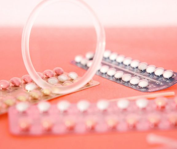 ehkaisymenetelmat-hormonaalinen-ehkaisy-ehkaisypilleri-kierrukka-ehkaisyrengas