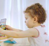 leikkiminen-kehittaa-lasten-lelut