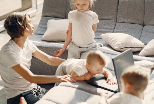 korona-arki-perheen-kanssa