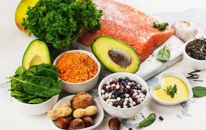 sund mad ligger på lækkert fremme på et bord
