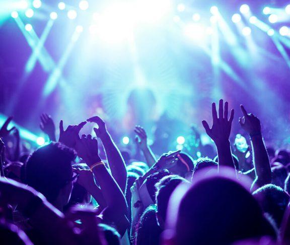 Til koncert kan lydniveauet være skadeligt for trommehinden
