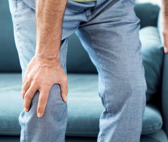 Mand med dystoni har svært ved at bruge sin krop