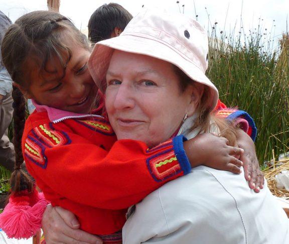 Gisela Schjøtt hos Uroindianere i Peru