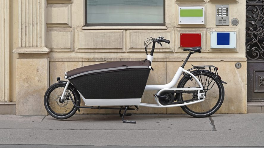 Transport bicycle with big cargo box