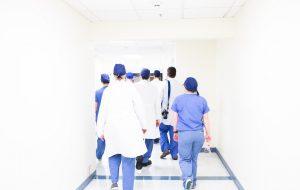 läkare i grupp