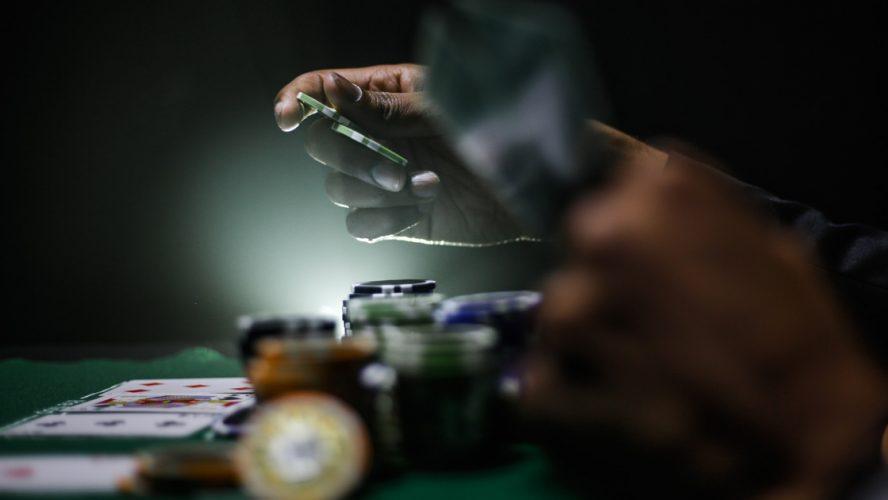 rahapelaaminen-peliriippuvuus