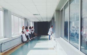 koronapandemia-sairaalahoito