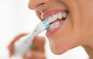 hammaslaakarin-vinkit-hampaiden-suun-hyvinvointi-terveys-harjaaminen