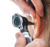 korvaoireet-korvakipu-kuulon-heikkeneminen-korva