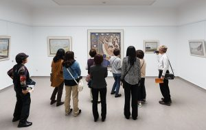 Large-Rondleiding in de collectiepresentatie- Guided tour in the collection presentation, photo_ Wieneke Hofland