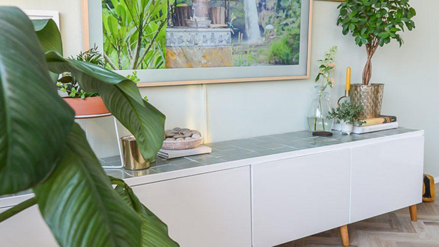 Ikea Tv Kast Meubel.Doe Het Zelf Ikea Hack Tv Kast Met Groene Zellige Tegels