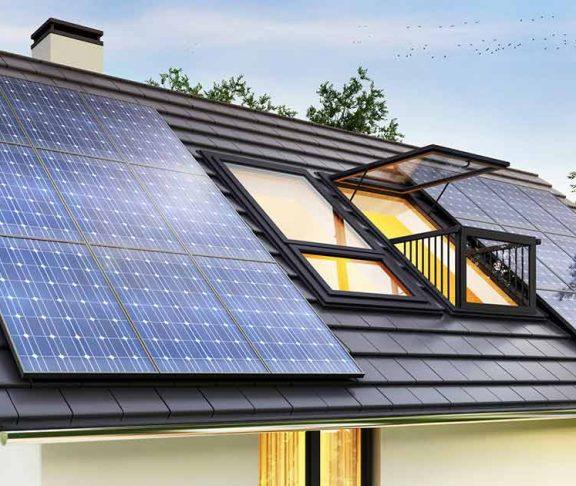 Duurzaam huis met zonnepanelen op het dak