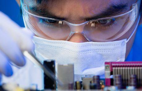 Close-upfoto onderzoeker