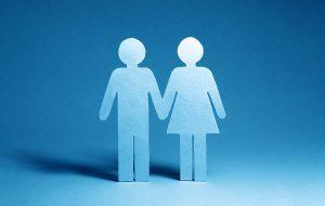 Papieren man- en vrouwfiguurtje