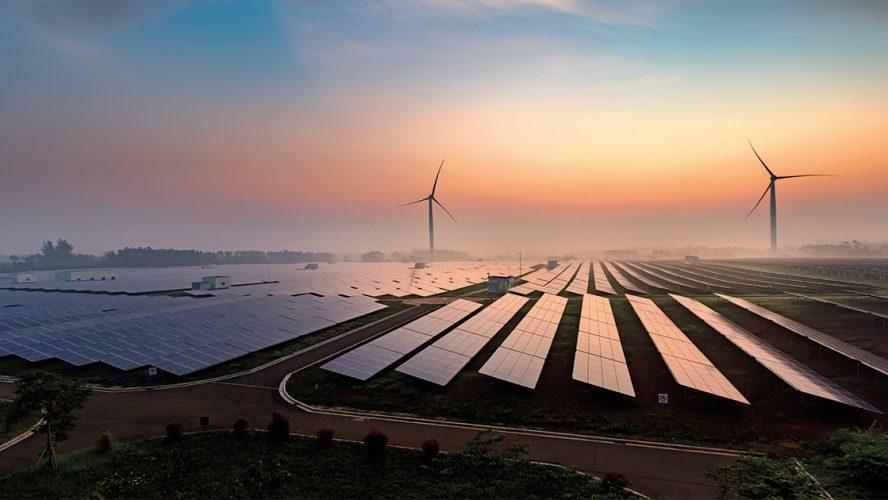 Zonnepanelen en windmolen